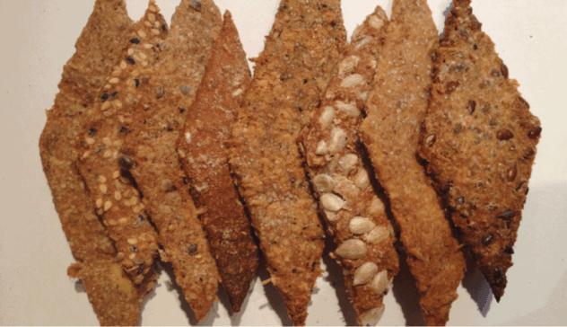 Échantillons de crackers aux drêches de bière blanche, graines et épices...