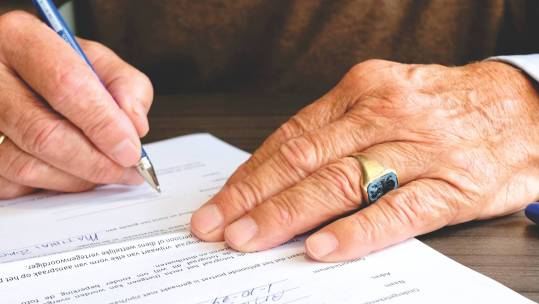 Investment Solutions - for Estate Planning. signing contract