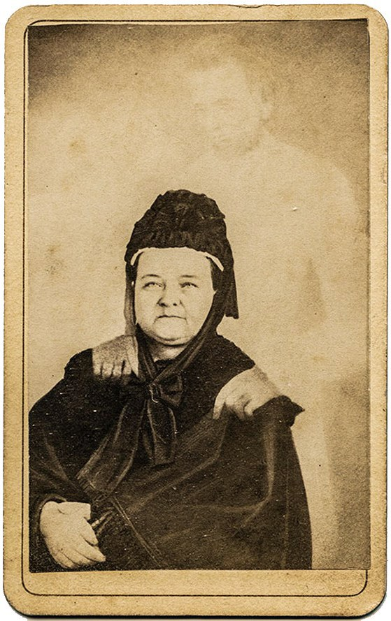 Lincoln's Ghost_Photograph of Widowed Mary Todd Lincoln