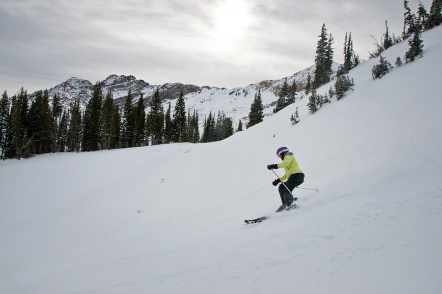 braveskimom skiing alta