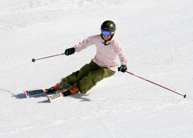 PSIA woman skier