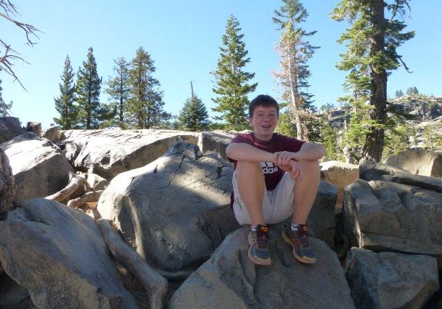 hiking devils postpile california
