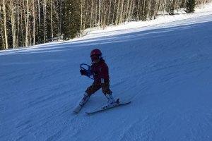 ski ring child using