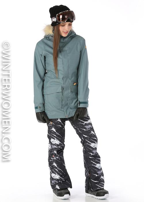 Nikita Aspen jacket and white pine ski pants