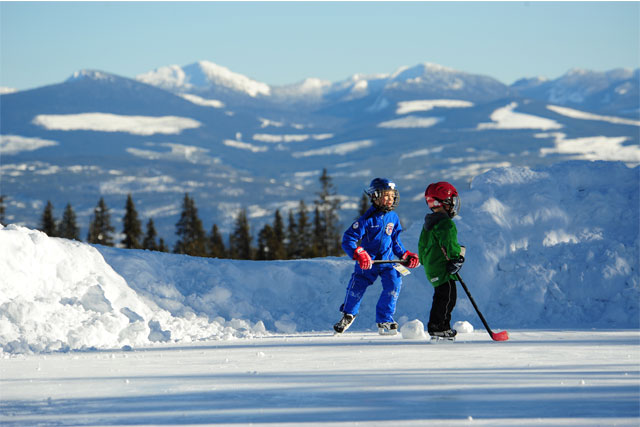 views-and-hockey-big-white-ski-resort