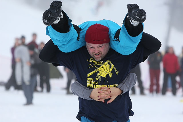 martin-griff-wife-carrying-at-lookout-pass