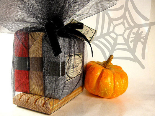 Spooky Favors For A Halloween Wedding
