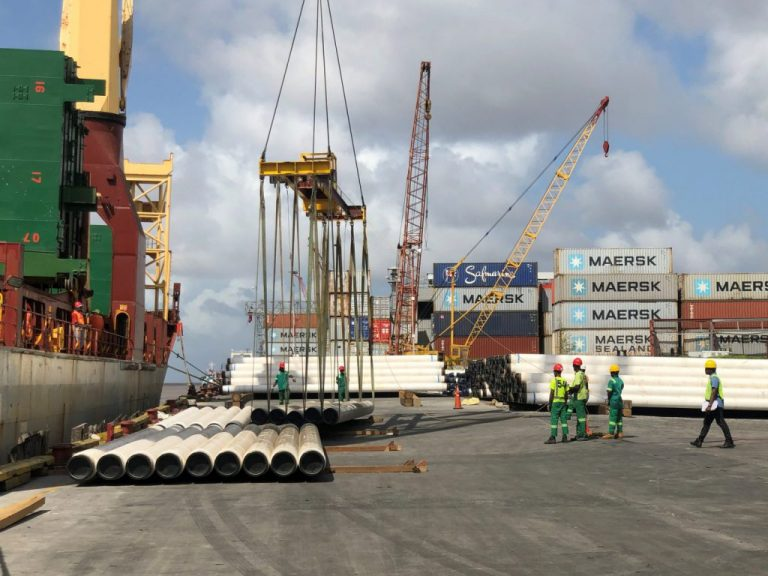 guyana-saipem-offloads-pipes-for-liza-phase-1-768x576