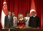 新加坡首位女總統就職 盼不再需要「保留選舉」