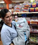 美孕婦逛超市突陣痛 店員秒變身接生團隊
