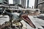 統一時代百貨台北店《侏羅紀》神還原暴龍、迅猛龍小藍現場迎客