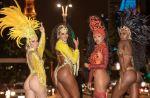 金鷹舞校四美女街頭拍寫真 致聖保羅交通停頓