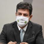 巴西疫情調查委員會聽取前衛生部長證詞,後者指責總統不作為
