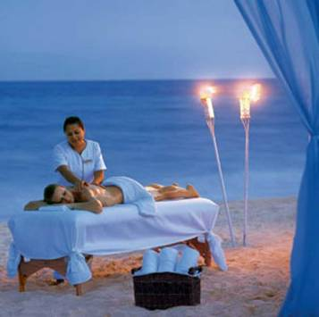 Quintana Roo, Riviera Maya, Playa del Carmen, Hotel Secrets Carmen, Massage - Photo by Secrets Capri