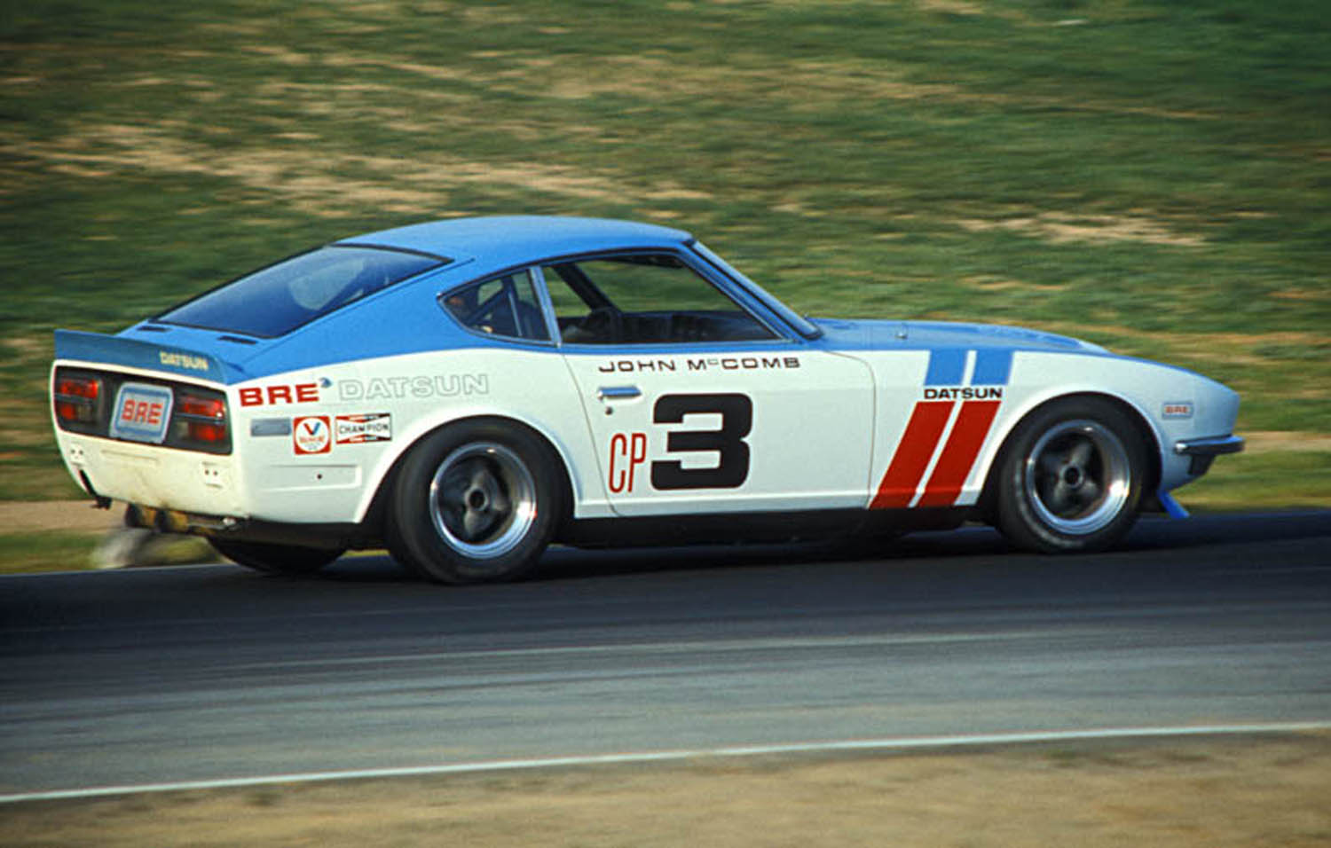The Graphics On The Bre Datsuns Are Legendary And Often Copied As Nissan Has With Their New 50th Anniversary 370z That Uses The Bre Stripes And Contrasting Top And Side Colors How