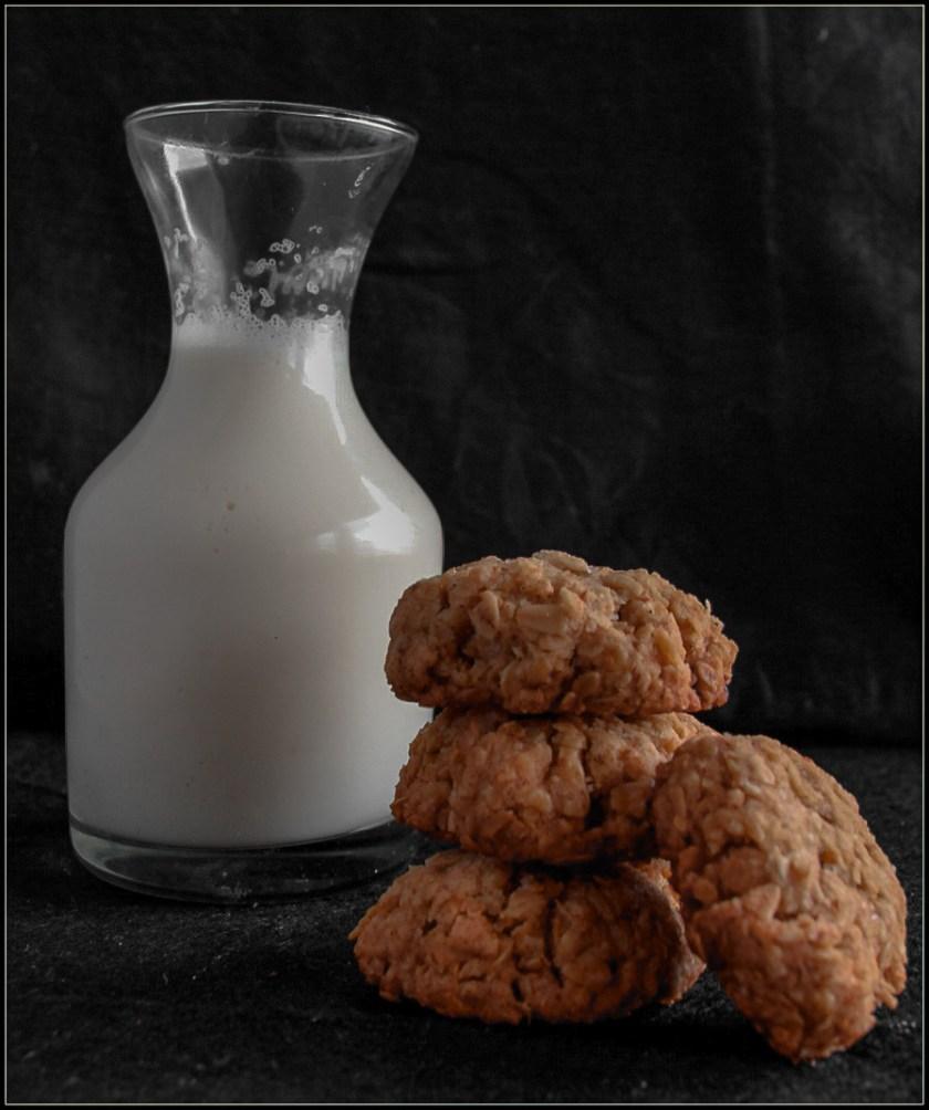 Oats Cinnamon cookies with some milk