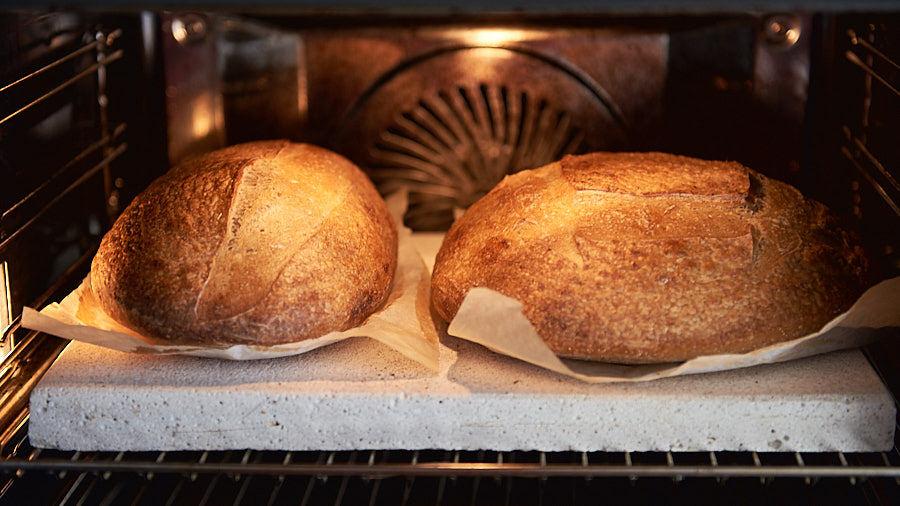 Pâine țărănească de grâu cu maia, pâine rotundă și batard (franzelă)