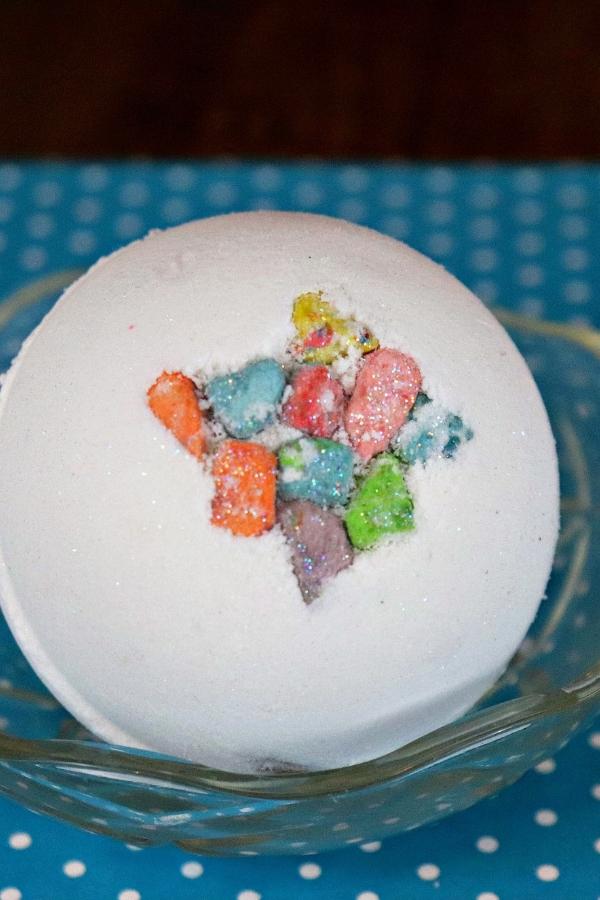 marshmallow scented bath bomb