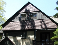 A famous house in the neighborhood