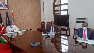 Photo of President Uhuru Reviews Bar Hours, Extends Curfew to January 2021