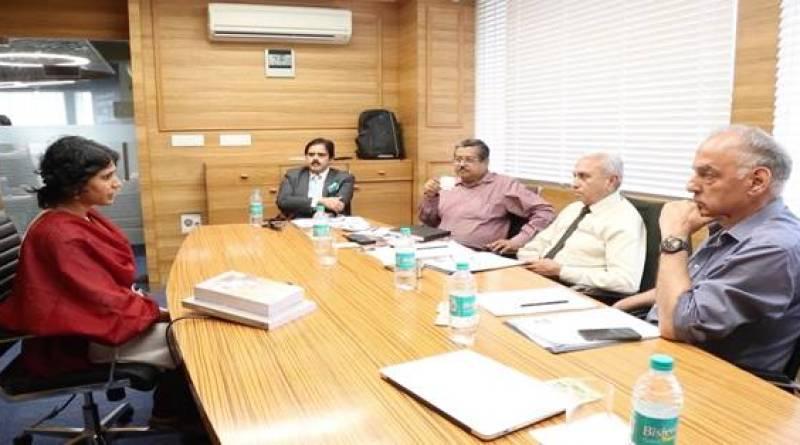 IAS इंटरव्यू में पूछा बेहद खास सवाल, सिगरेट को हिंदी में क्या कहते हैं? - जानिए सवालों के जवाब