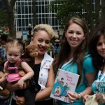 300 breastfeeding supporters took over Times Square, breastfeeding world big latch on, women breastfeeding in times square, times square, breastfeeding in times square, moms take over times square, breastfeeding world, big latch on nyc, nyc big latch on