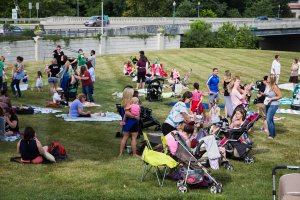 hamilton County Big Latch On, Breastfeeding World, Big Latch On