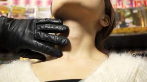 アキバコム内フェティッシュワールドで撮影された首絞め検証動画