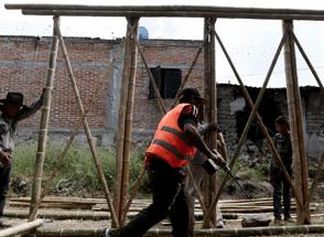 Casas De Bambú Una Solución Temporal Para Damnificados Del