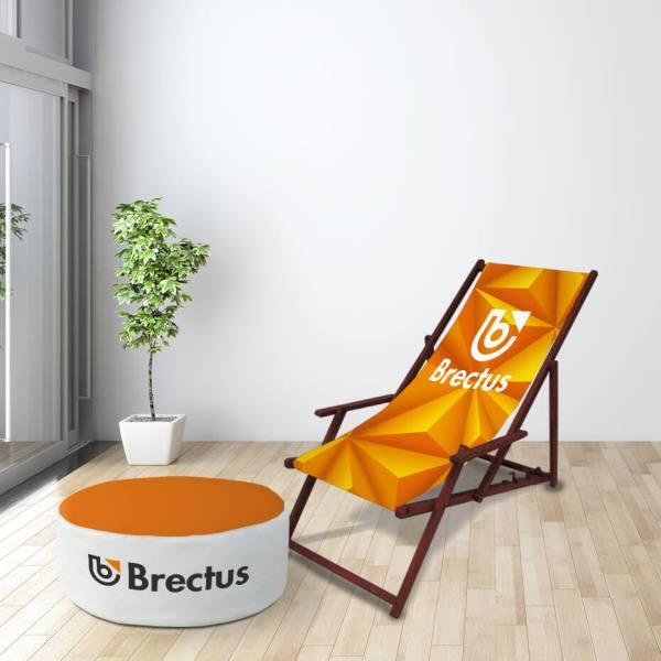 Strandstol med puff i miljø