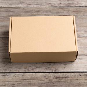 postemballasje, forsendelsesesker, forsendelser med posten, stansede bretteesker, selvlåsende, produktemballasje