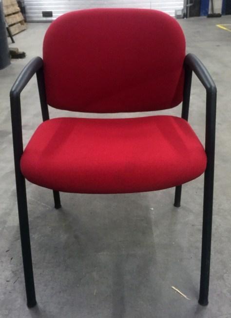 vergadersteol-4-poot-rood-zwart-ahrend-21