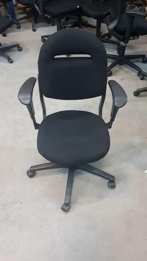ahrend 220 bureaustoel zwart