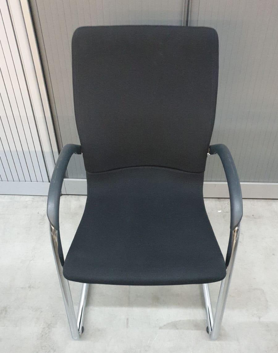 Ahrend 230 Bureaustoel Zwart.Outlet Opruiming Bredewijn Kantoormeubelen