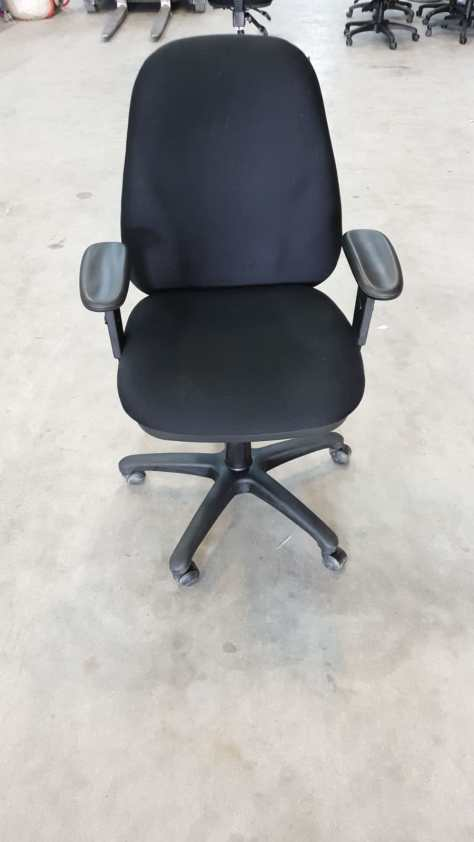 12x Robin bureaustoel gebruikt. 125 euro