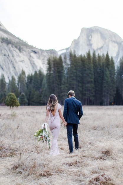 What to Wear to Your Engagement Session - Bree and Stephen Photography - San Diego Wedding Photographers - Yosemite Engagement Session