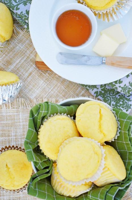 Golden Cornbread Muffins