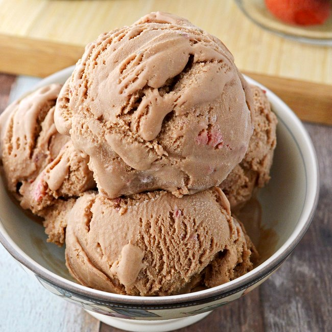 gluten free hazelnut strawberry ice cream