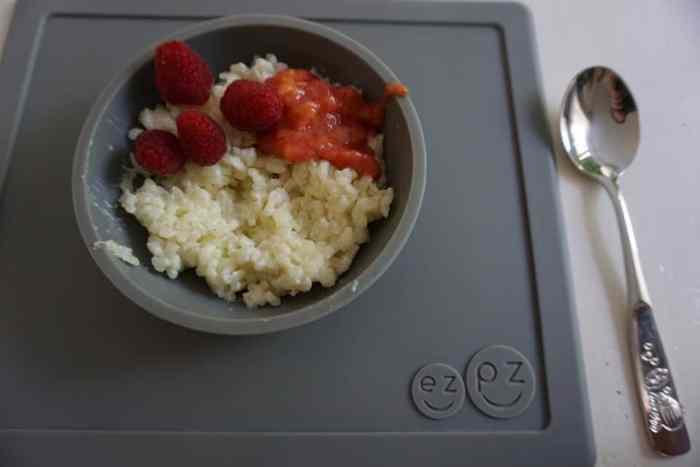 breifrei Frühstück: Milchreis mit Himbeeren und Obstmus