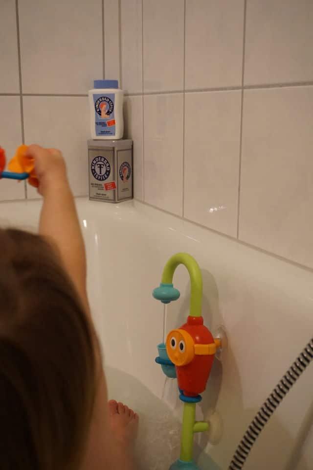 Spaß in der Badewanne