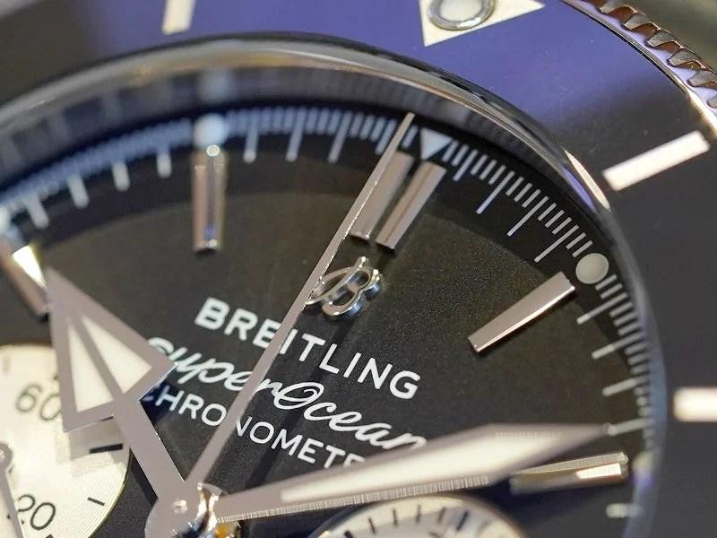 最高級のクロノグラフとして名高いキャリバー01を搭載したダイバーズウォッチ!スーパーオーシャン ヘリテージ-スーパーオーシャン