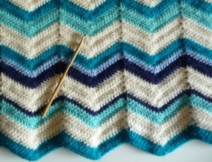 point chevron au crochet