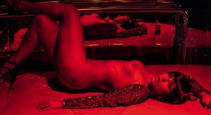 Pietra-Príncipe-pelada-nua-Revista-Playboy-Outubro-2013-7