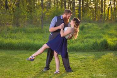 Crockery-Creek-Natural-Area-Ottawa-County-Engagement-Photo-Session (5)