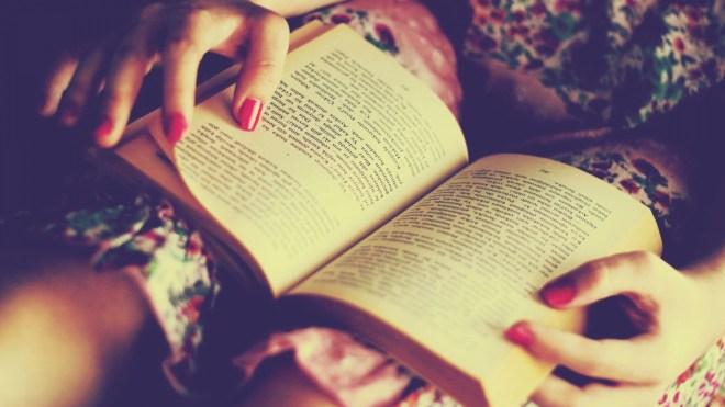 women-dress-reading-books-turkish-nail-polish-900x1600