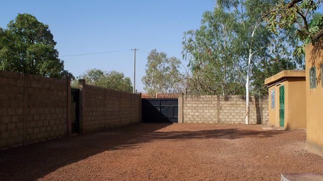 How Far Would You Walk to Go to Church? :: Burkina Faso :: Day 1