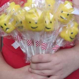 Lego Head Marshmallow Pops Recipe