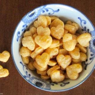 Healthy Snack Idea: Homemade Cheese Crackers Recipe