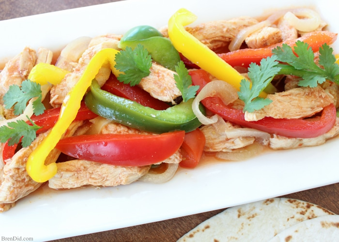 Healthy Slow Cooker Chicken Fajitas, My new go to recipe for fajitas! Slow Cooker Chicken Fajitas - A quick, no-fuss way to make this healthy Mexican food favorite. These are easiest chicken fajitas you will ever make and they taste AMAZING! Great Chicken Fajita taste → onions, red, yellow and green peppers, perfectly seasoned chicken breast –→ made in one pan with no precooking. Simple yummy crock pot recipe!