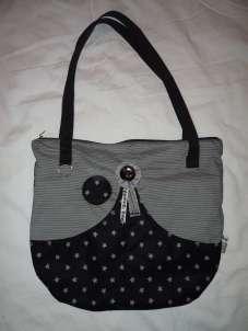 coole Handtasche schwarz grau Sternchen mit Reißverschluss